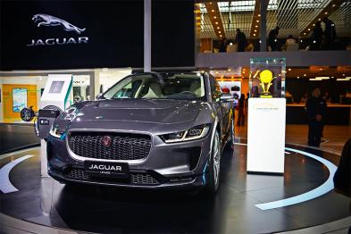 捷豹I-PACE迎来首批车主,互联和电动是未来战略 | 广州车展