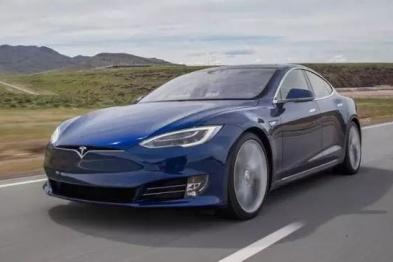 特斯拉Model S电池故障致乘客死亡