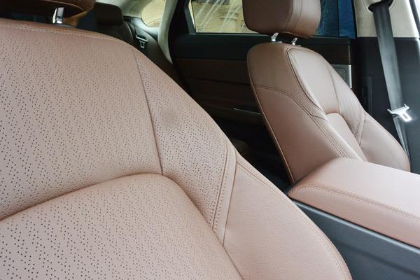 捷豹XFL配置打孔真皮座椅