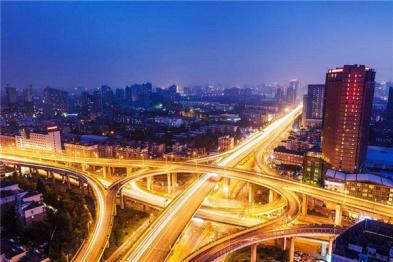 """杭州""""城市大脑""""首创AI机器巡逻"""