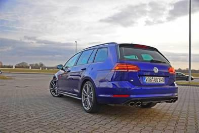 開著一輛高爾夫R旅行版,在德國高速200km/h巡航是怎樣的體驗?