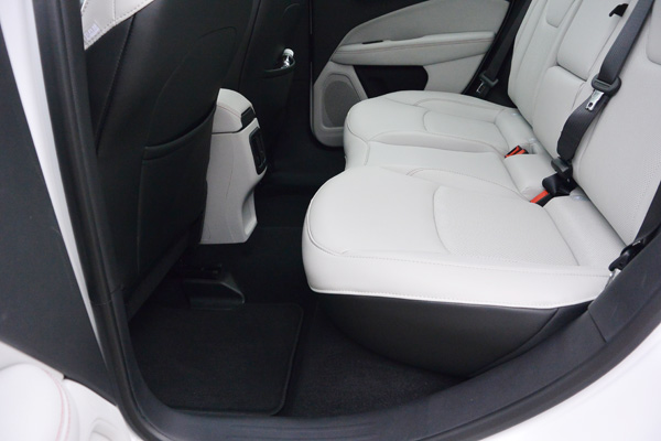 全新Jeep指南者的座椅设计