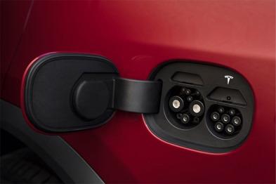 搭载新国标充电接口的Model S/X本周亮相