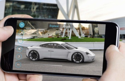 法拉利F430设计师、宾利CEO谈汽车业复苏