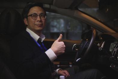 上海博泰悦臻行业合作部副总监吕强体验东风雪铁龙C6