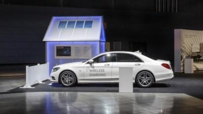 奔驰为2017款S550e混动车型提供高通无线充电套装选配