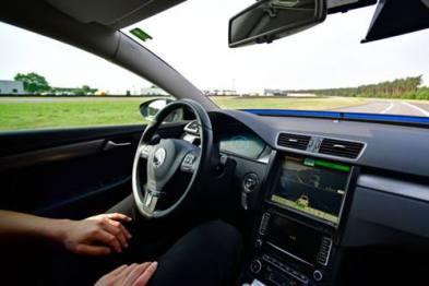 密歇根大学研究人员研发神经网络 助自动驾驶汽车识别和预测行人动作
