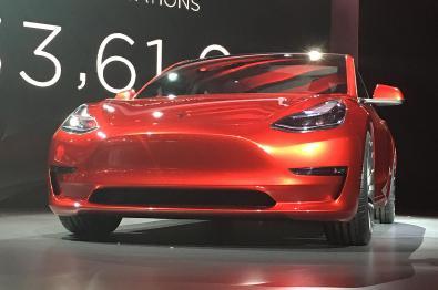 特斯拉下周开始接受新款Model 3订单