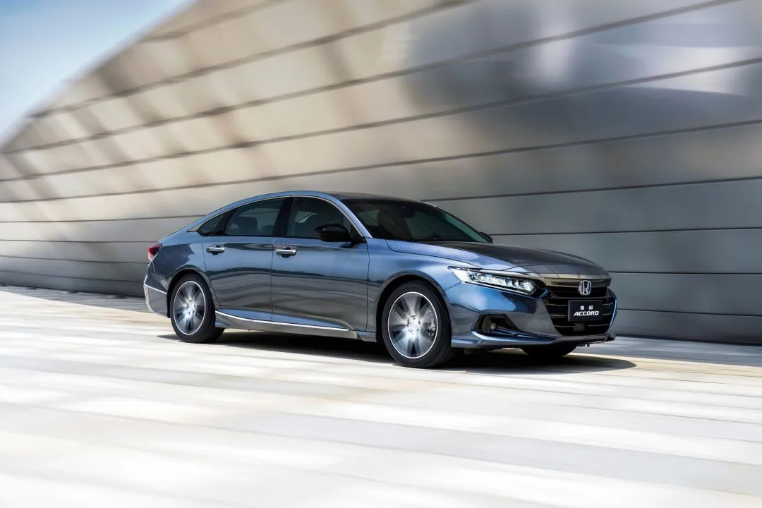 聪明的买车人丨一周新车快评:AION V PLUS、宋PLUS DM-i AWD、新雅阁