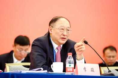 中国汽车工程学会理事长李骏:智能汽车时代,中国将面临怎样的机遇和挑战?