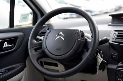 法国汽车需要自由 | 左舵