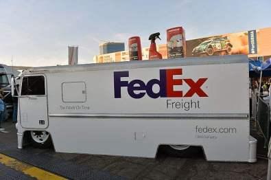 联邦快递推出全自动快递机器人:最高时速约16公里