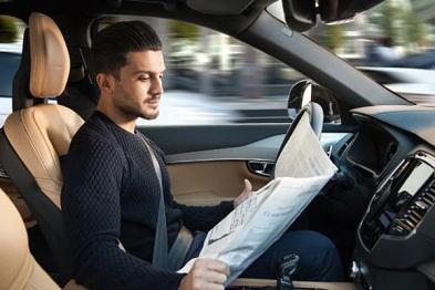 沃尔沃推出Auto-Pilot自动驾驶系统,司机可以临时交出驾驶权