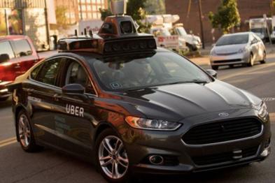 """谷歌指控Uber盗用""""无人驾驶?#34987;?#23494;,双方大战法庭"""