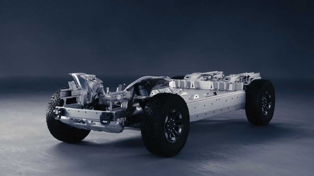 2022-GMC-HUMMER-EV-Ultium-054-inside-ultium.jpg
