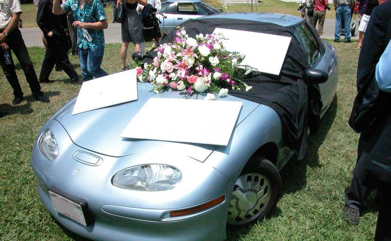 用户为通用EV1举办的葬礼