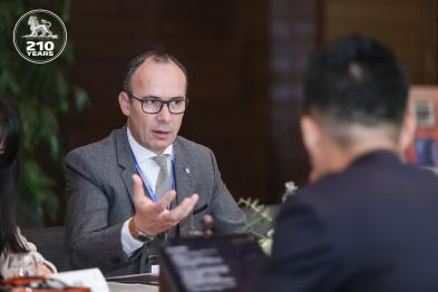2020北京车展丨东风标致葛林德:Move to Electric战略不止产品,还有服务