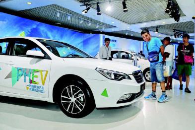 6月电动汽车市场观察:过渡期结束,销量首次年中下探