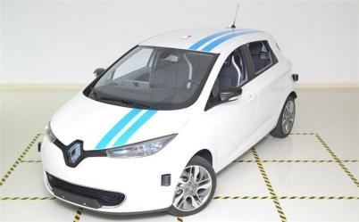雷诺研发全球首款自动驾驶规避功能