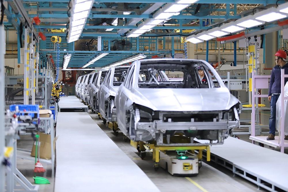 海马小鹏智能工厂焊装车间-焊装白车身