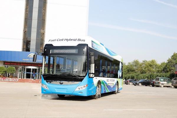 宇通12米氢燃料电池城市公交车