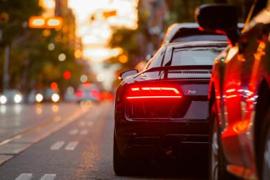 车市萎靡全是经济的锅?| 左舵