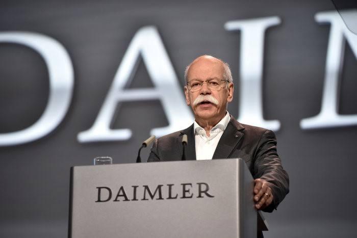 现任职务戴姆勒股份公司董事会主席、梅赛德斯-奔驰汽车集团全球总裁蔡澈博士