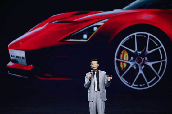 麟汽车联合创始人、董事长王晓麟博士亮相北京鸟巢国际赛演平台