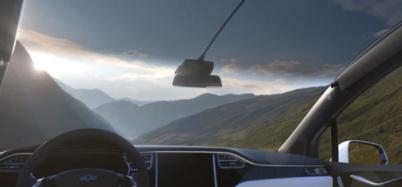 特斯拉Model X挡风玻璃过大,车主获遮阳板解决