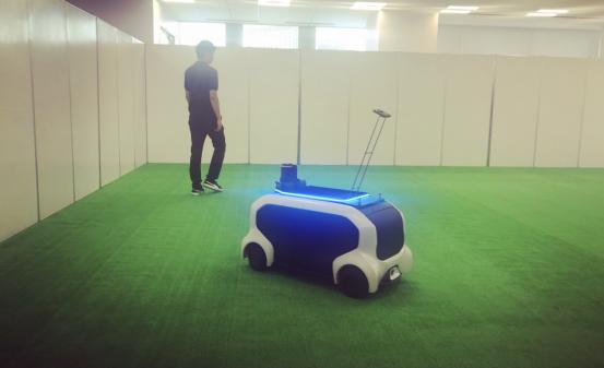 田径赛事辅助机器人