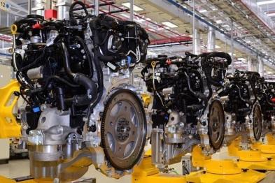 捷豹英国正式投产Ingenium四缸发动机