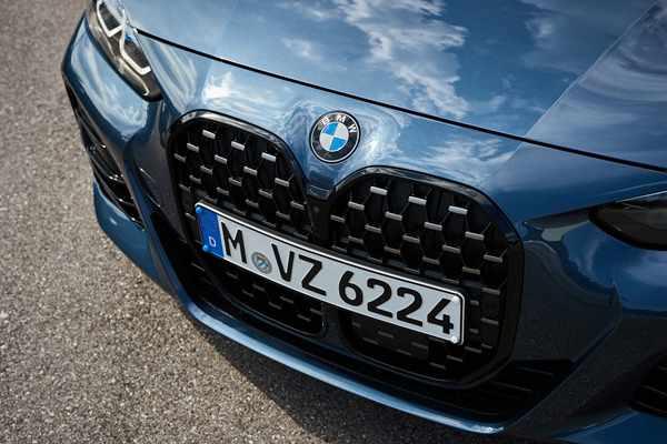 05. 全新BMW 4系双门轿跑车-前脸.jpg