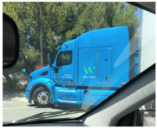 谷歌的无人驾驶卡车也上路测试了,它长这个样子!