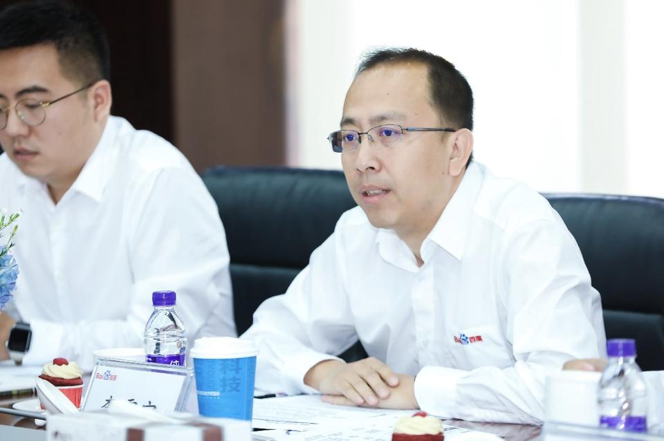 百度副总裁、智能驾驶事业群组总经理李震宇在现场发表讲话