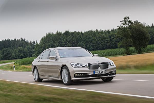 BMW-740Le-xDrive-iPerformance-051.jpg