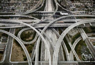 高德汽车总裁韦东:没有高精度地图和云计算,自动驾驶只算半成品