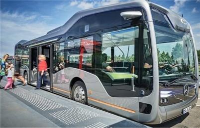 2022年?#26412;?#33258;动驾驶公交有望试点运营