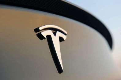 特斯拉或在11?#36335;?#24067;其电动皮卡车
