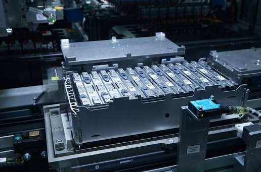 宝马建厂增加锂电池产能