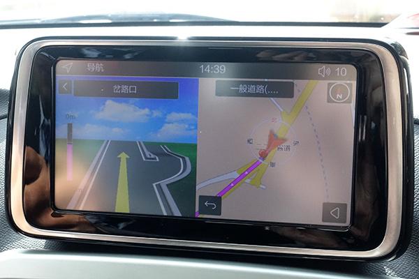 iOS版手机车机互联中,车机端地图显示