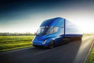 特斯拉将与其它公司共建Semi电动卡车充电站