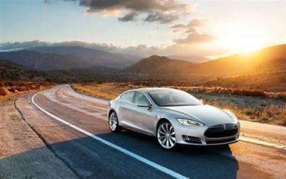 特斯拉推出三年免息与免费车牌租赁服务