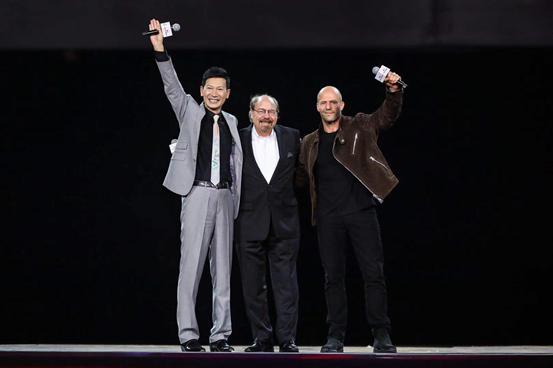 好莱坞著名影星杰森•斯坦森、史蒂夫·赛麟、王晓麟和赛麟S1同台亮相