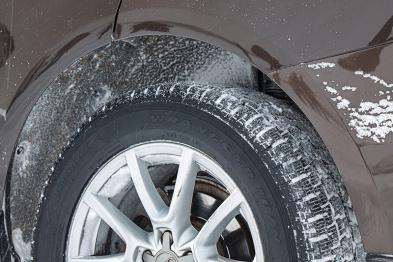 抛开对硬派的执念,你和一场冰雪穿越可能只差四条胎