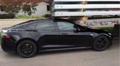 Model S召唤功能致意外追尾,特斯拉回应