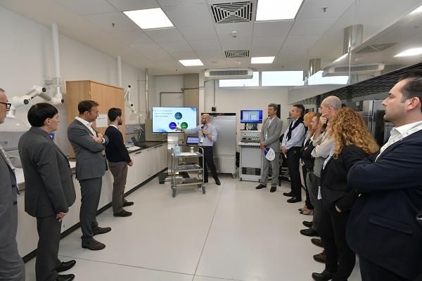 马石油全球研发中心实验室参观