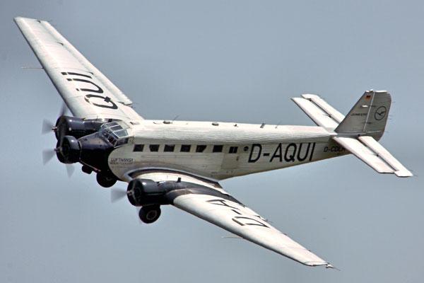 Ju52飞机的波纹铝材外表,甚至还是著名旅行箱Rimowa的灵感来源。