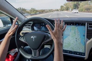 美国IIHS数据揭秘:特斯拉Autopilot,更安全还是更危险?