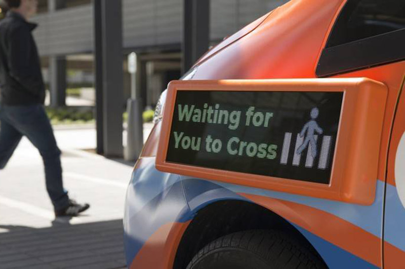 科技有意思丨花拳绣腿or未来趋势,我们需要进阶的车外交互吗?
