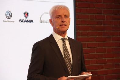 大众汽车CEO穆勒:4月出排气门调查报告,未来押宝电动车和数字化